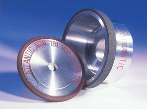 Superabrasive Schleifkörper basierend auf Diamant und kubischem Bornitrit (CBN) 1986